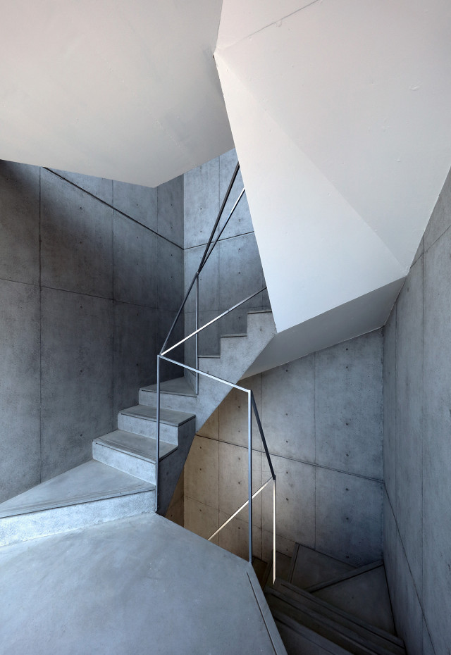 Hikone Apartment_Stair Case